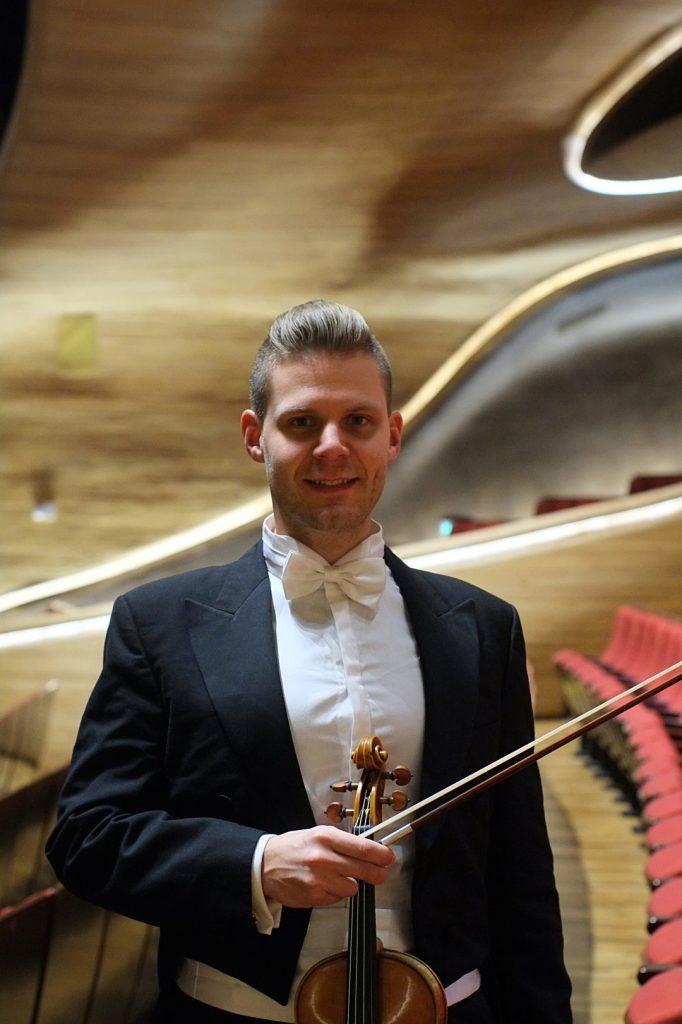 Matej Sutora - Violin