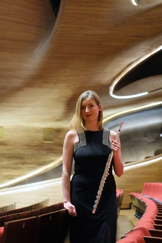 Martina Kustarova - Flute